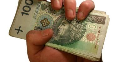 money-in-hand-1207855_1280 (1)