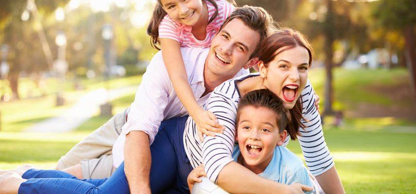 rodzina spędzająca razem czas